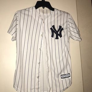 Button up YANKEES jersey/blouse